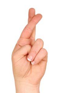 Жест скрещенные пальцы